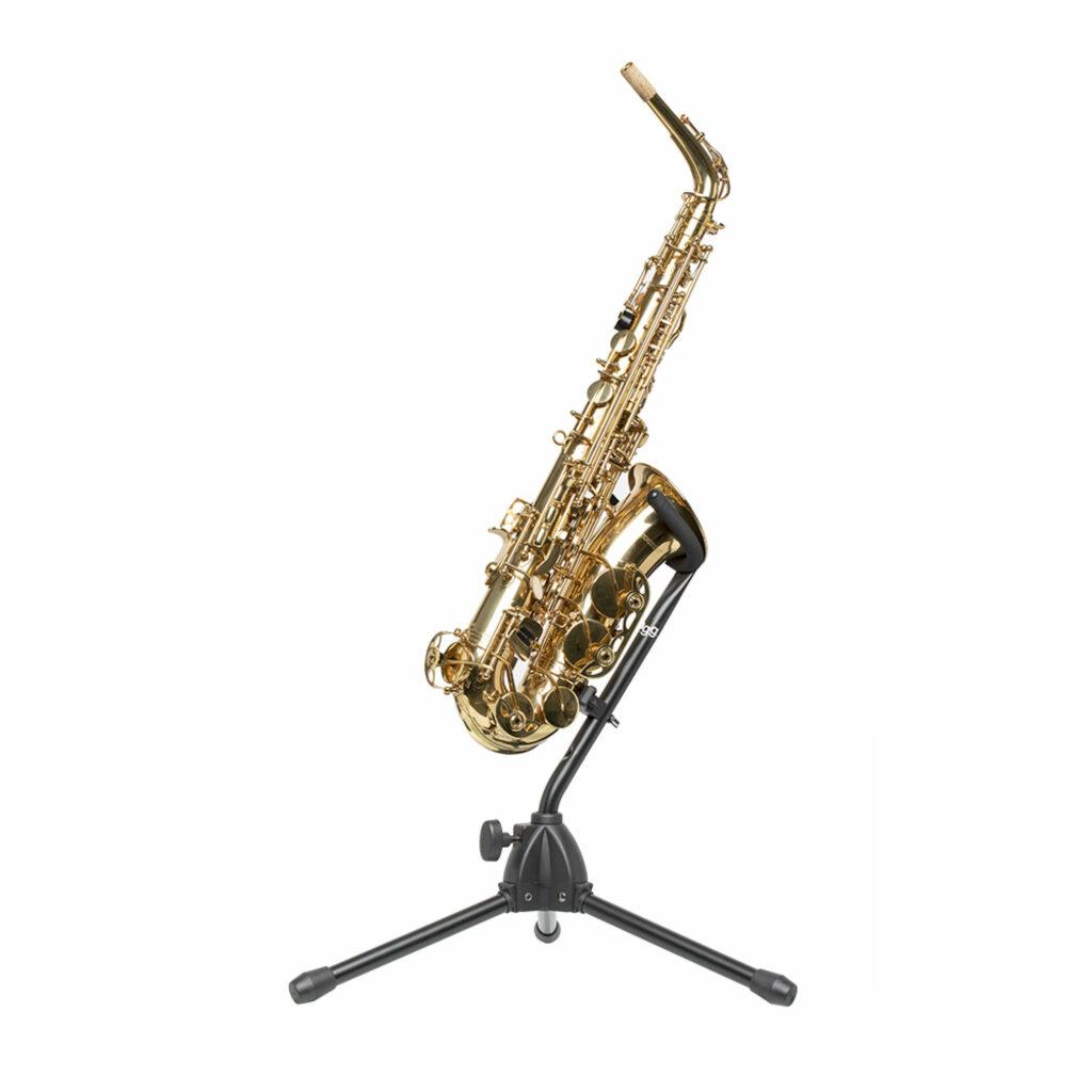 stojan na saxofon