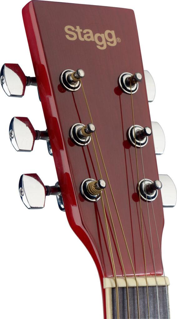 elektroakustická kytara typu Auditorium